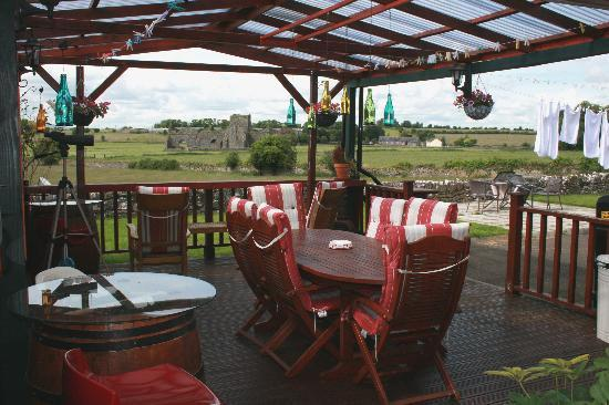 Peggy O'Neills B&B: BBQ facilities and the wonderful Hoare Abbey