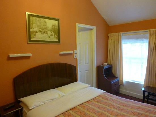 Marian Guest House: Chambre