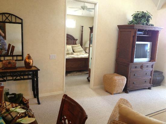 Fairway Villas: view from Living room to Master Bedroom