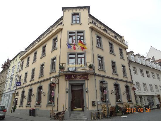 Front of Stadthotel