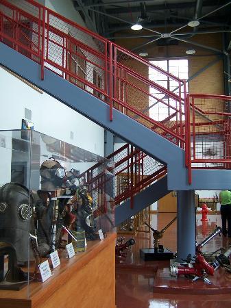 Denton Firefighters Museum: Museum floor