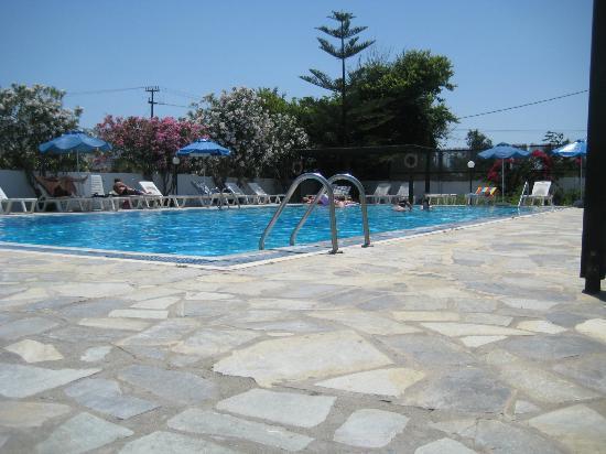 Bahamas Hotel: the pool