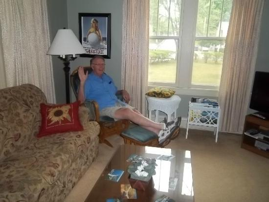 Twin Oaks Inn: My dad in the living room