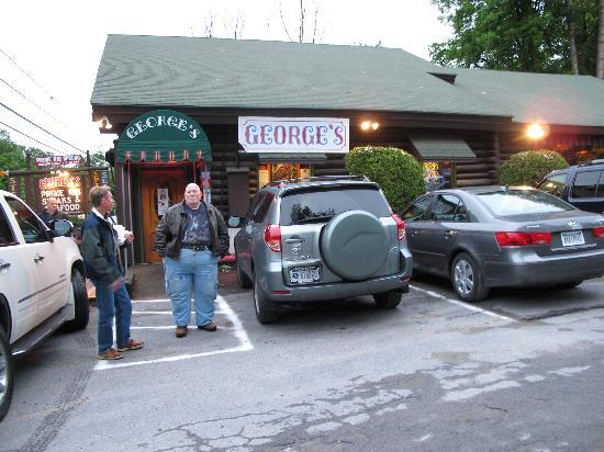 George's Restaurant: Getting ready to enter paradise!!