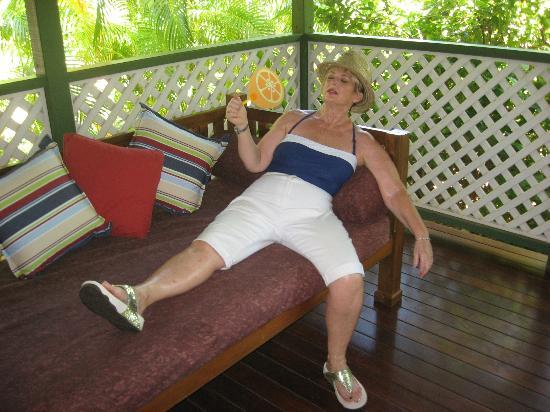 Cocos Beach Bungalows: Relaxed on the Porch.