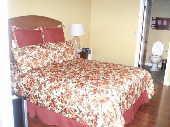 Sunset Inn: Attractive room