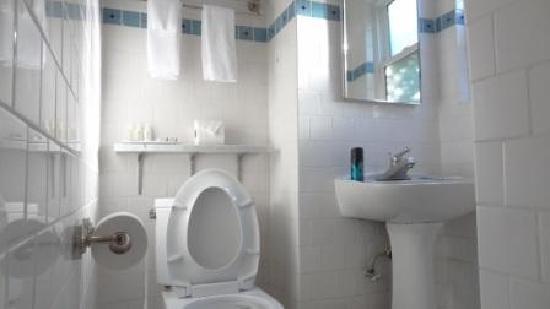 The Brentwood Inn: salle de bain