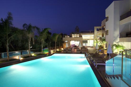 Summertime Boutique Hotel & Spa: Pool