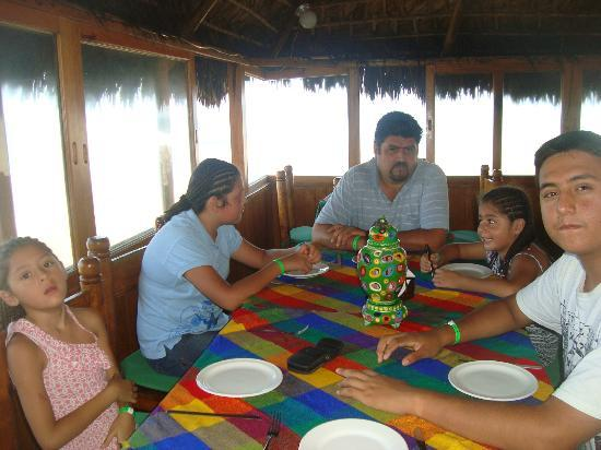 Villas El Rancho Green Resort: RESTAURANTE