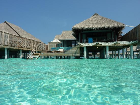 Kihavah Huravalhi: our overwater villa
