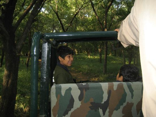 Ranthambore National Park: Kids in Jeep