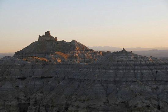 Angel Peak Recreation Area: Angel Peak at sunrise