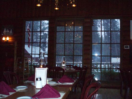 Lakeshore Resort: Looking toward Huntington Lake from the dining room