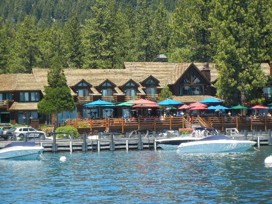 Sunnyside Restaurant and Lodge: Lodge view from Lake