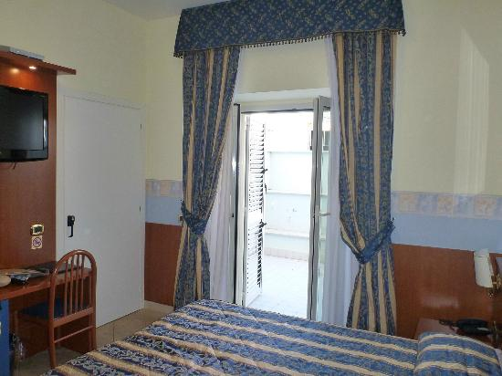 Hotel Borgo del Mare: A picture that shows more of the room