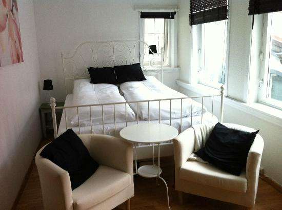 Bergen Apartments: Room 1