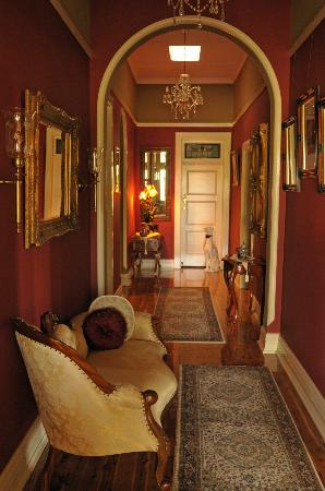The Doulton Luxury B&B: Entrance Hall