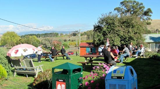 Hamilton Cafe Bakehouse: The Customer Garden! What a view