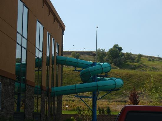 Holiday Inn Express & Suites Great Falls : Wow!  A waterslide!