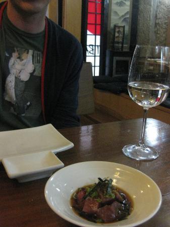 Kyodai Sushi Bar: tuna