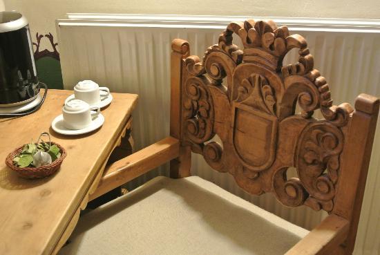 Tambo del Arriero Hotel Boutique: Coca tea set at the room