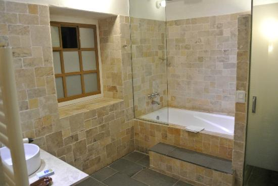 Tambo del Arriero Hotel Boutique: Extremely open bathroom, little intimacy