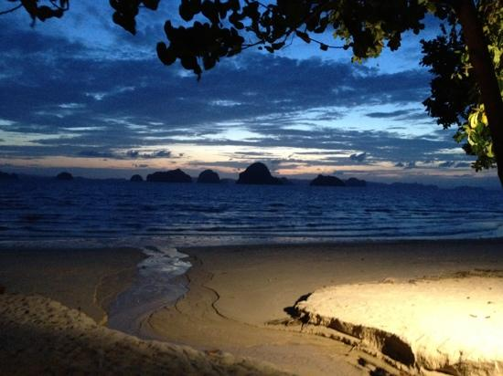 The Tubkaak Krabi Boutique Resort : view from the cocktail bar