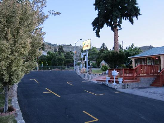 Lake Chelan Motel: Entrance