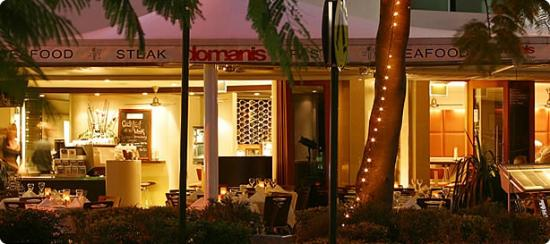 Domanis : The outdoor ambience of Domani's Alfresco area