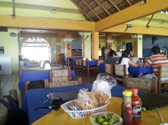Mariscos Dona Concha: Restaurant View