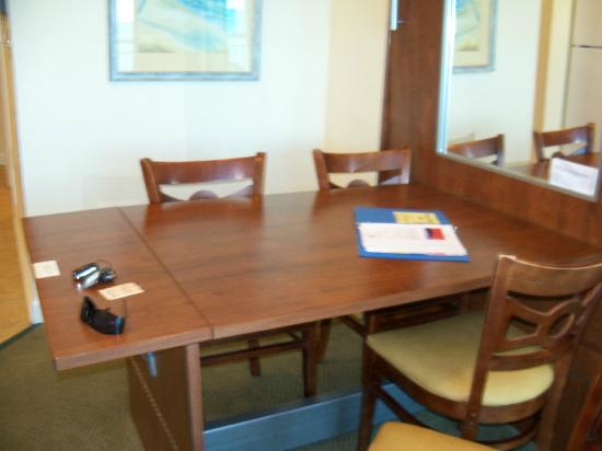 Murphy Kitchen Table   Kitchen Table With Wall Murphy Bed Picture Of Holiday Sands