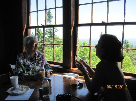Bascom Lodge: Mountain view from the dining room