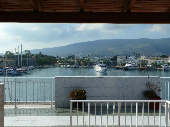 Kosta Palace: Vue de la terrasse donnat sur le port de Kos