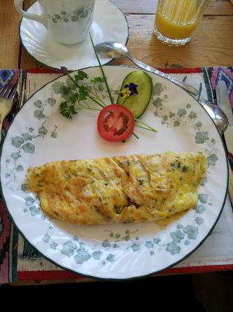 Stella Alpina B&B: petit déjeuner copieux, délicieux et bien présenté