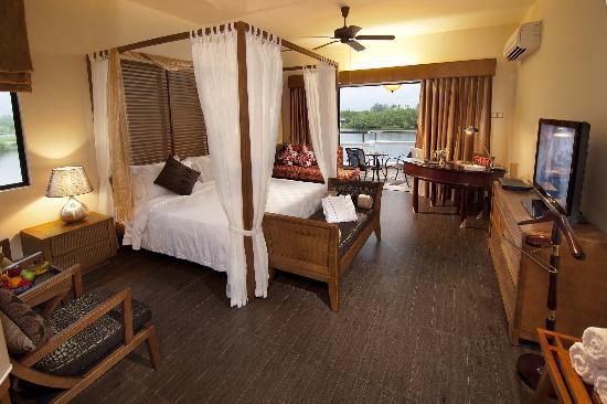 Pasir Puteh, Malaysia: Suite Room