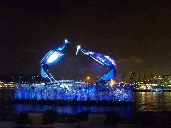 Crane Dance at Resort World Sentosa: Crane Dance
