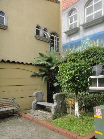 Casa Conde Hotel & Suites: Resting area
