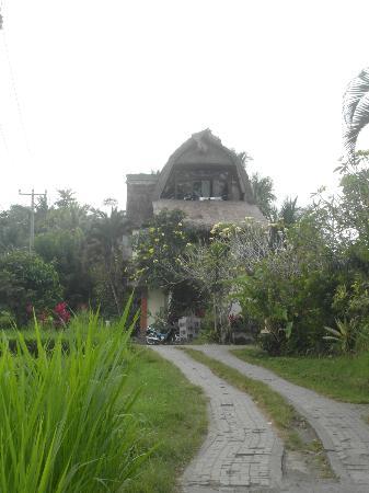 Pariliana, Maison et Table d'Hotes a Bali: chemin reliant UBUD à la chambre