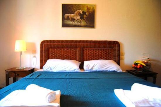 Alcestis Villas: Bedroom