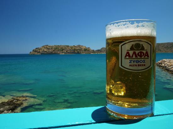 Tavern Giorgos : Beer with a view of Spinalonga Island