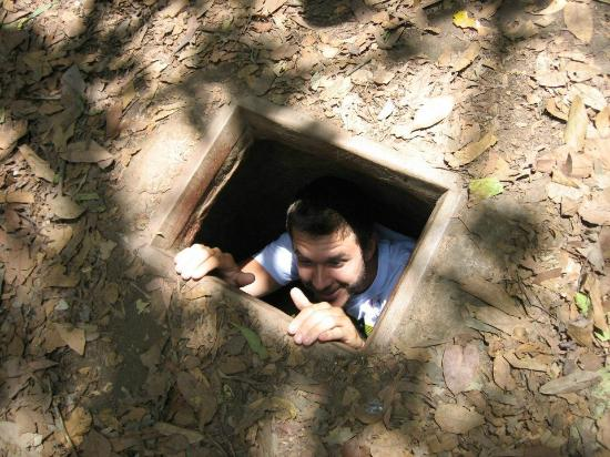 Vinaday Travel : Alex Pickup - American Tourist - Cu Chi Tunnels Saigon Vietnam