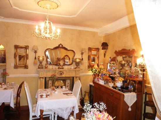 Westview Guest House: Eetkamer