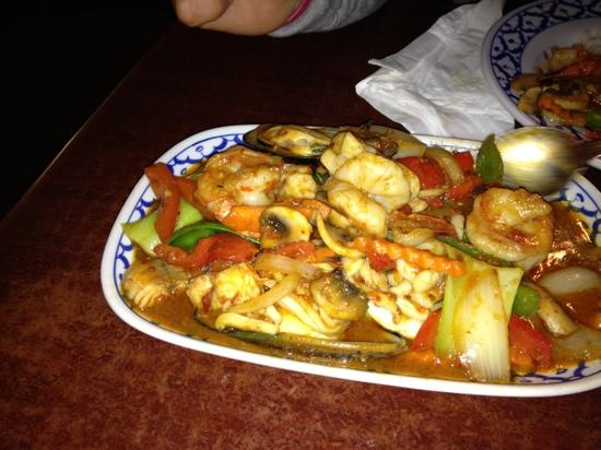 Thai on the Island : pad potok