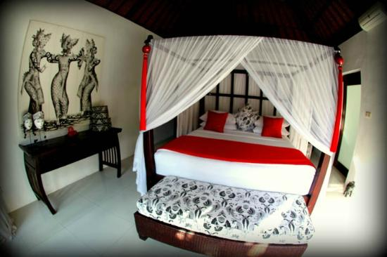 Andari Bali Villas: Main Suoni bedroom