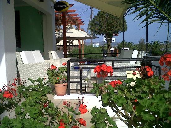 Kaaren's : Front terrace