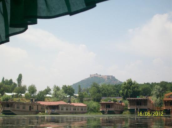 Nigeen Lake: Hari parbat fort From nagin