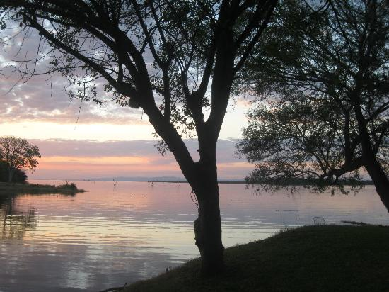 Gache Gache Lodge: View of Gache Gache River
