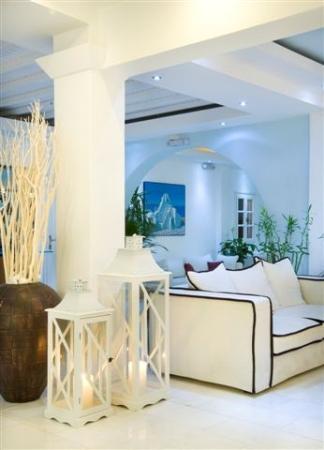 Dionysos Boutique Hotel: Lobby area