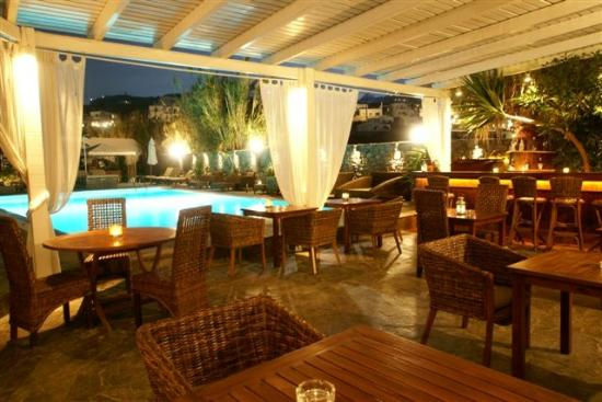 Dionysos Boutique Hotel: pool bar