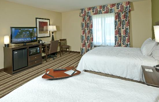 Hampton Inn Augusta: Two Queen bedded rooms ideal for families